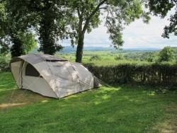 Losse kampeerplekken te boeken op camping Les Tournesols de Beaulieu in de Auvergne